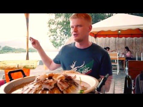 Славный Тайланд. Уличная еда на огне. Сервис на нуле. (видео)