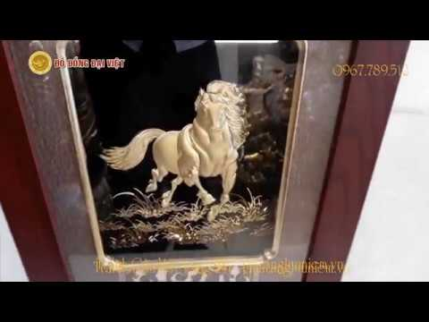 Tranh ngựa dát vàng quà tăng lưu niệm cho khách Quốc Tế