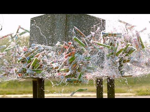 用重物碾壓1000支優格食品,結果在慢鏡頭的呈現下簡直爽爆了!