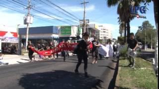 Jóvenes salvadoreños piden justicia por 43 estudiantes desaparecidos en México