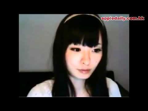 大眼日本妹自拍,秀腋毛狂挖鼻孔!