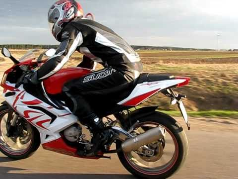 aprilia rs 125 vs audi a3 1.6 in 40s!