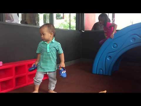 Home Schooling at Mini Playground | Bermain dan Belajar Jam di Playground Kecil