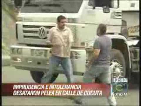 PELEA DE BUSETEROS