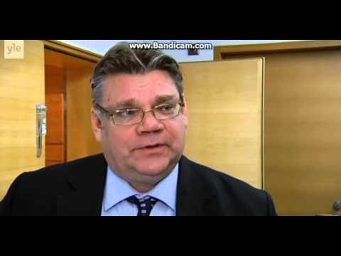 Timo Soini osoitti mieltä homoliittoja vastaan tekijä: Riquman1990