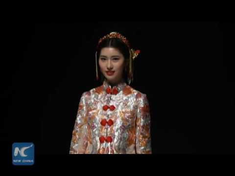 Art on wedding dress! Watch Chinese traditional wedding dresses with stunning embroidery (видео)