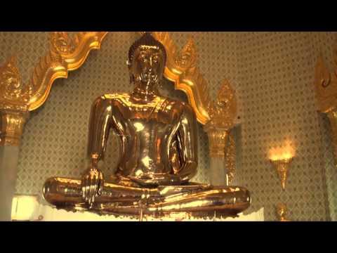 Tsem Rinpoche visits Wat Traimit (world's largest solid gold Buddha! )