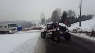 Akcja ratunkowa – wyciąganie ciężarówki!
