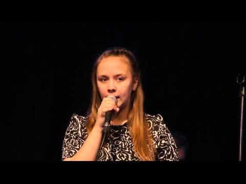 Marta Külaots - Marjametsa laul( Kustas Kikerpuu) (видео)