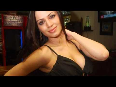 Nip Slip Photos Hot Actress Kainaat Arora