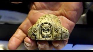 Los Antiguos artefactos encontrados en México, probarían el contacto de los Mayas con los extraterresDopplerette by Kevin MacLeod is licensed under a Creative Commons Attribution license (https://creativecommons.org/licenses/by/4.0/)Source: http://incompetech.com/music/royalty-free/index.html?isrc=USUAN1100659Artist: http://incompetech.com/