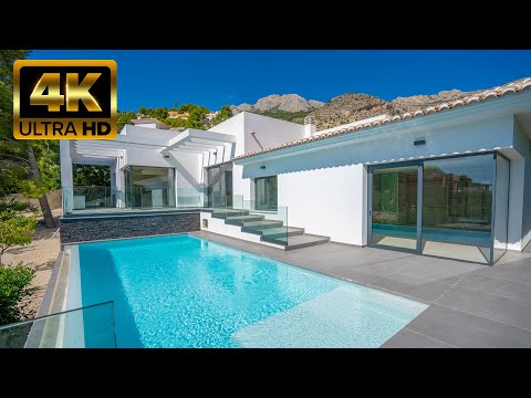 1390000 € Luxury villa with sea views in Altea, Spain / Luxury Real Estate on the Costa Blanca