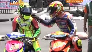 Video Cantiknya Rider di Road Race Bupati Cup ke - V 2017 Tulungagung MP3, 3GP, MP4, WEBM, AVI, FLV Mei 2019