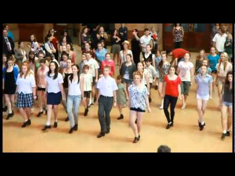 St. Patties Day - Buy tickets to Riverdance in Australia - http://www.showbiz.com.au/riverdance/ Awesome Irish Dancing including members of Riverdance and school children in s...