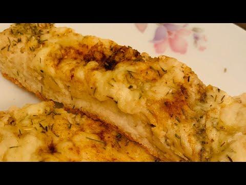 Low carb diet - KETO CHEESY GARLIC BREAD/LOW CARB GARLIC BREAD(NO EGGS)