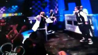 Far east movement and miguel performing rocketeer on so random