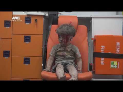 讓所友網友都心碎的5歲敘利亞男童終於見到他的父母,小男生當下的反應讓大家的心又痛了一次…