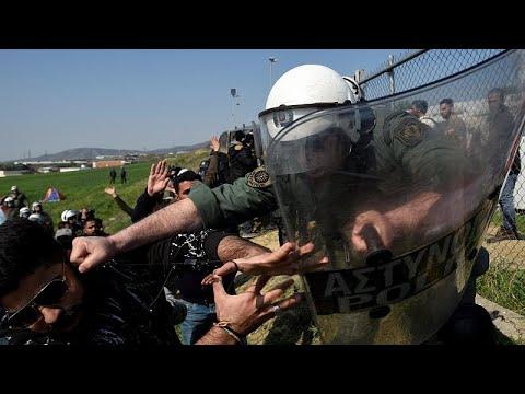Θεσσαλονίκη-Διαβατά: Ένταση μεταξύ προσφύγων-μεταναστών και αστυνομίας…