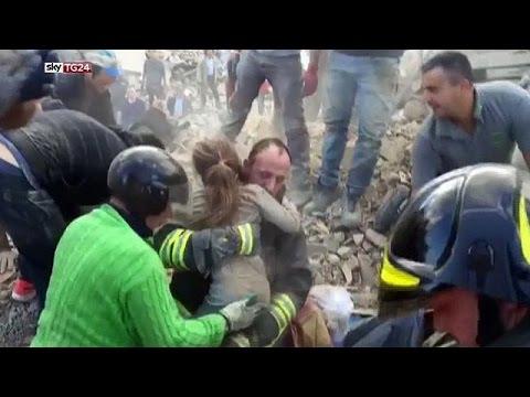 Ιταλία: Ζωή μέσα από τα ερείπια στο Αματρίτσε
