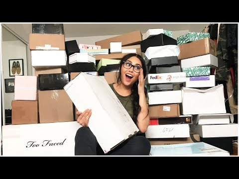 HUGE PR UNBOXING   SO MUCH NEW MAKEUP   Roxette Arisa Vlogs