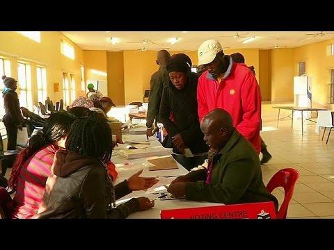 Ν.Αφρική: Ανατροπή στο πολιτικό σκηνικό αναμένεται να φέρουν οι κάλπες των τοπικών εκλογών