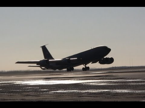 2 United States Air Force Boeing...