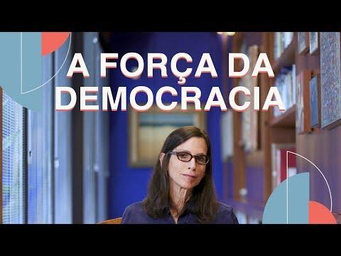 Democracia x Autoritarismo
