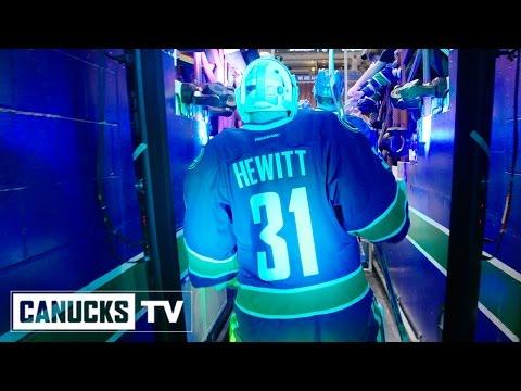 University Goalie Signed as Emergency Backup for an NHL Team