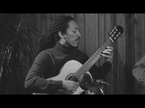 See video  Por el mar de las Antillas (Leo Brouwer)