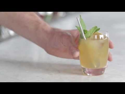 Video – How to Make a Whiskey Smash