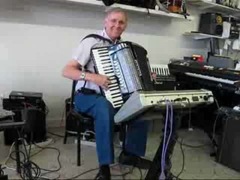 Excelsior midi accordion with Ketron XD3