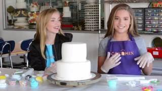 Cake designing with Lauren at Duffs Cakemix!