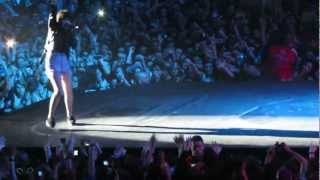 Carly Rae Jepsen - BELIEVE TOUR - Bologna, Italy - Good Time & This Kiss