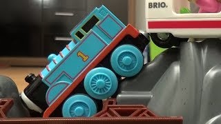 Thomas and Friends Trains Crash Tank Engine Bridge Fire Engine Brio City Thomas und seine Freunde