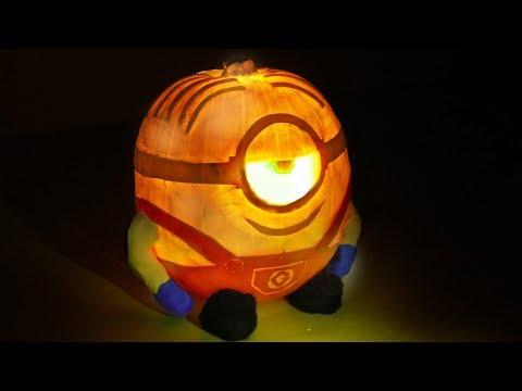How to carve a Minion Pumpkin design