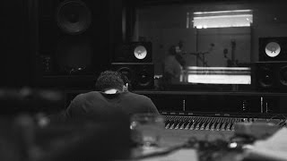 Action Bronson vídeo clipe The Making Of Baby Blue (Studio Sessions)