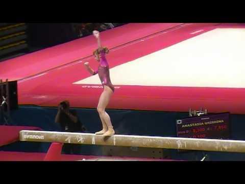Viktoria Komova shaky on beam at 2011 Massilia Cup
