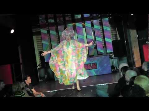 WIGGLE 2012 - Conni Smudge Drag Performance