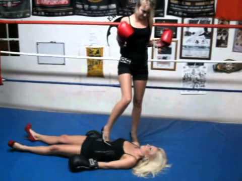 Boxing Models KO Victory Pose