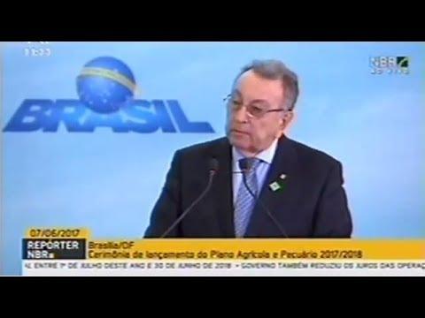 Presidente da CNA discursa no lançamento do Plano Agrícola e Pecuário 2017/18