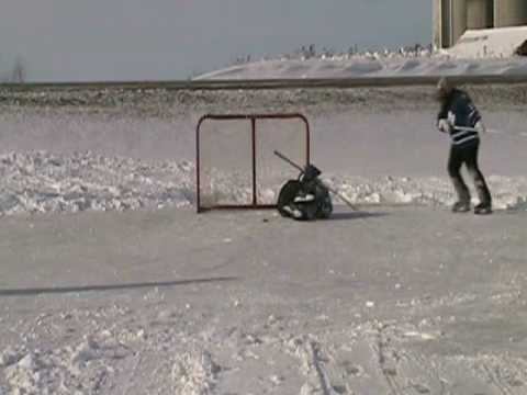 BEST ICE HOCKEY SHOOTOUT SAVE EVER!!