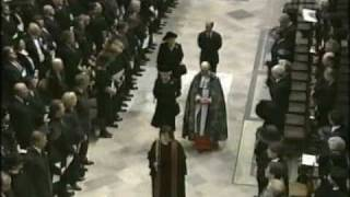 Video The Queen's Arrival at the Funeral of Diana Princess of Wales MP3, 3GP, MP4, WEBM, AVI, FLV Januari 2018