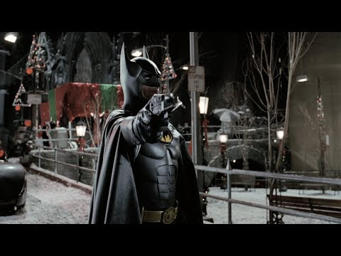 Batman saves Selina Kyle | Batman Returns (4k Remastered)