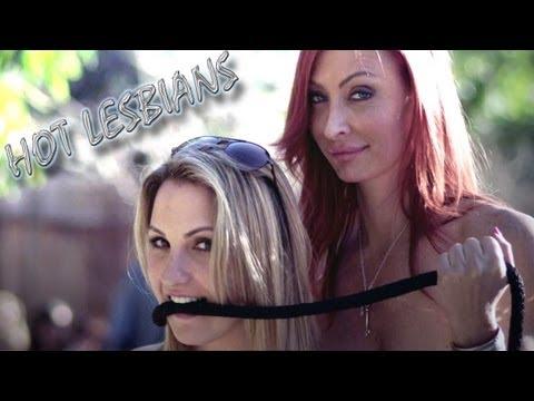 hot lesbians Smokin