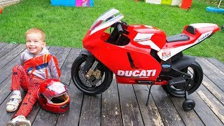 3 Birthday Arthur / Unboxing and assembling Gift present on Sport Bike / Arthur ride on power wheel