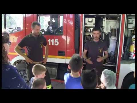 Bambini vigili del fuoco per un giorno: ad Arezzo è tornata 'Pompieropoli'
