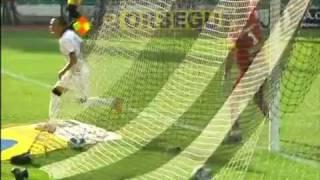 Grande lançe do jogador Alex que cruza na area na medida Liedson marcar de cabeça gol Os gols Figueirense 0x1 Corinthians pela 37º Rodada do Campeonato Brasileiro 26/11/11Melhores Momentos Figueirense 0-1 Corinthians - Brasileirão 26-11-2011