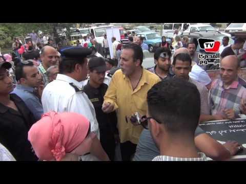الأمن يطرد «d j» أنصار «مبارك» أمام «المعادي العسكري»