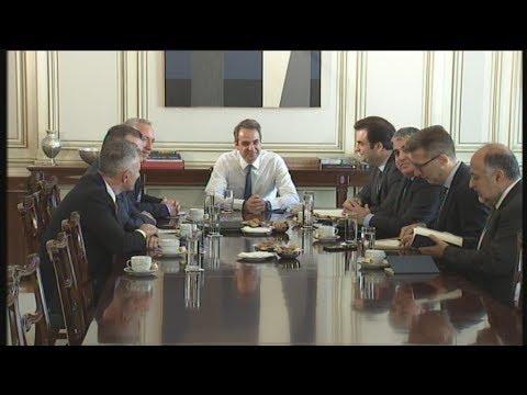 Συνάντηση του πρωθυπουργού με τους εκπροσώπους των εταιρειών κινητής τηλεφωνίας