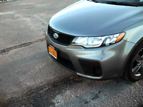 2011 Kia Forte Koup EX Walk around, Revs, exhaust sound